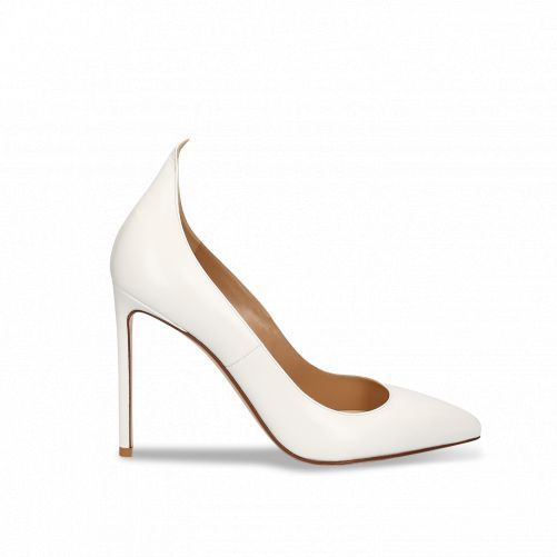 Pointy detail Pumps